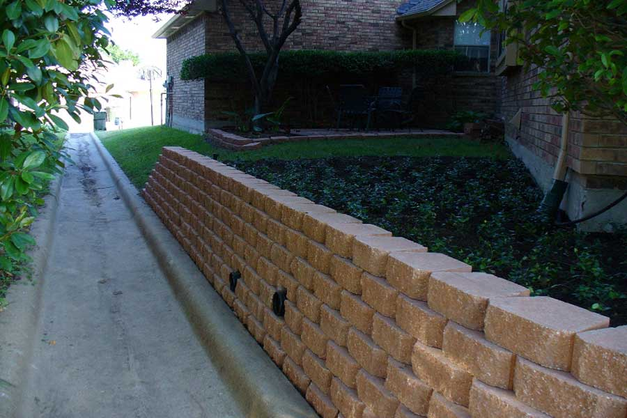 Empire Landscaping Pavestone Retaining Wall